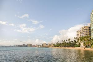 Image of Kaimana Beach