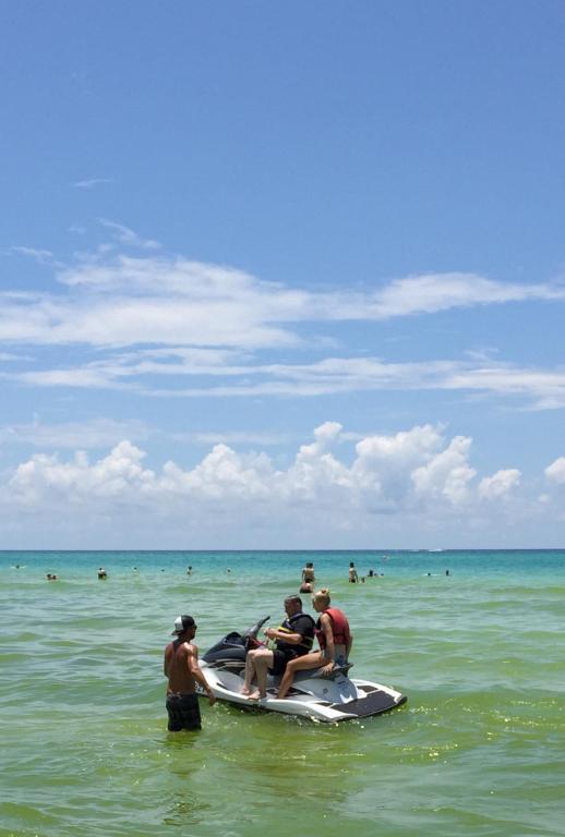 Hotel Beachbreak By The Sea, Panama City Beach, FL