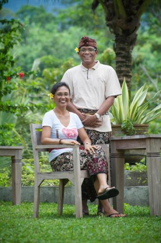Ayu and Ketut Ginastra