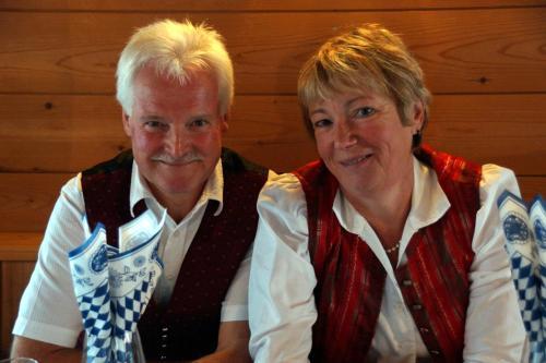 Ihre Gastgeber Hans und Hildegard
