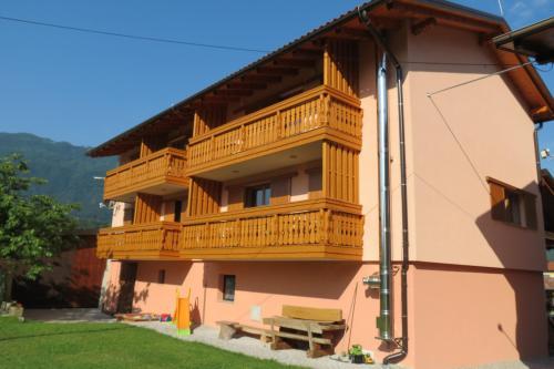 Apartments and rooms MASERA