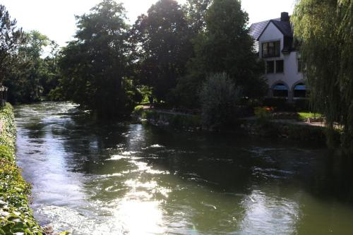 Der Fluß Ampel vor der Unterkunft