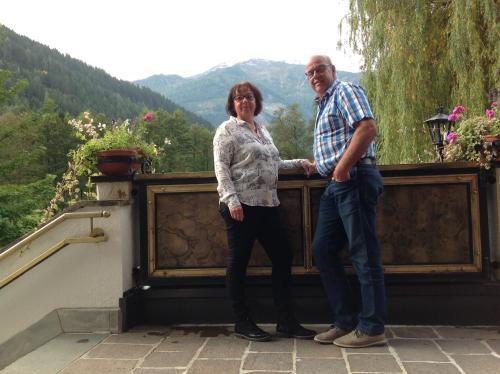 Jankees en Anja, gastheer en gastvrouw