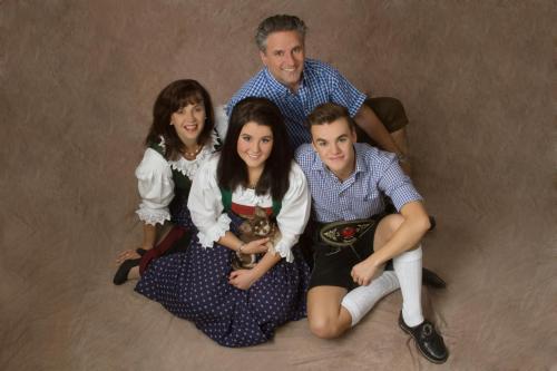 Maria und Walter mit Vanessa und Julian Pfeifer