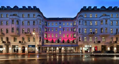 Lux Eleven Berlin-Miitte