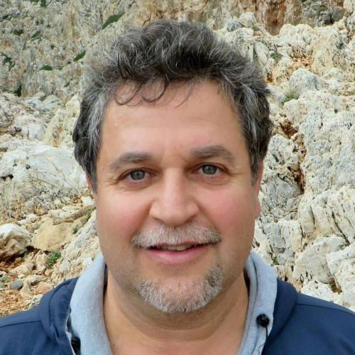 Yiannis Perrakis