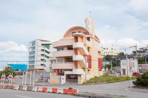 Kariyushi Condominium Mezon Max